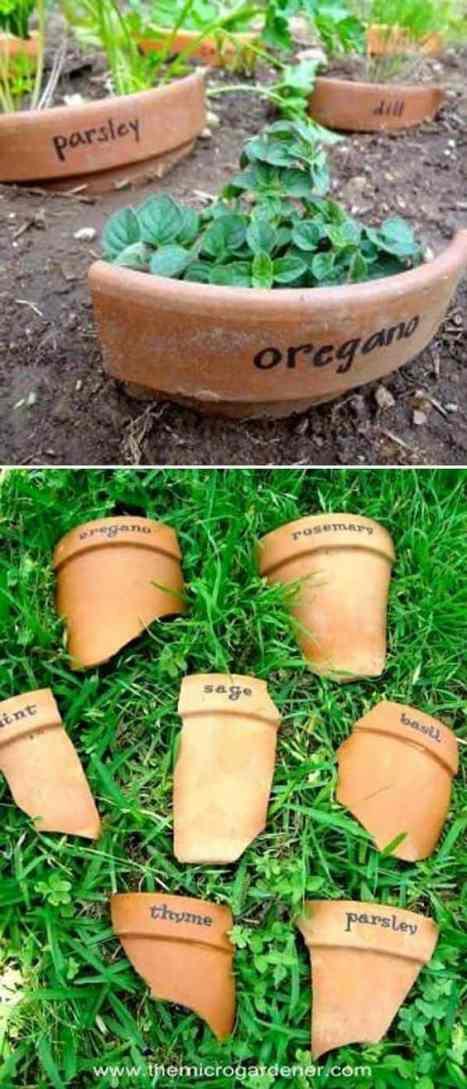 cocci di terracotta trasformati in etichette per l'orto