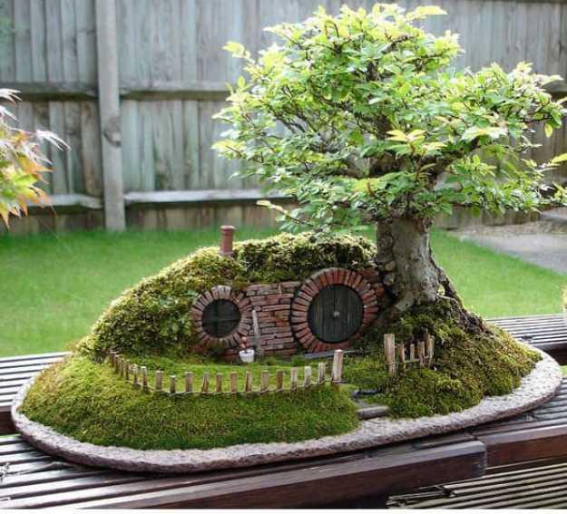 Un giardino in miniatura in stile Lo Hobbit