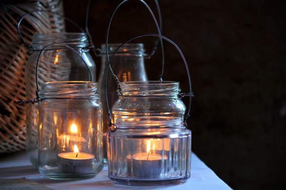 Lanterne di vetro per illuminare il giardino