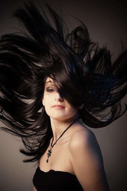À qui confier le soin de vos cheveux?
