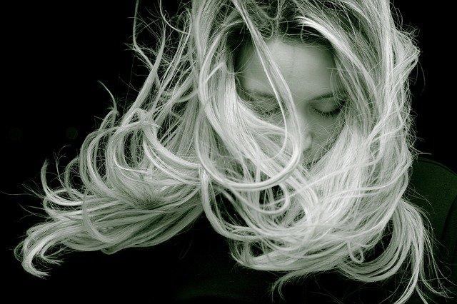 Entretien des cheveux: 5 erreurs à éviter à tout prix
