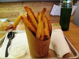 slouvaki frites2