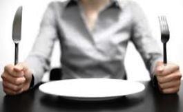 Avoir faim= avoir la dalle,