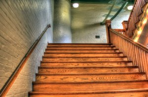 escalier intérieur en bois