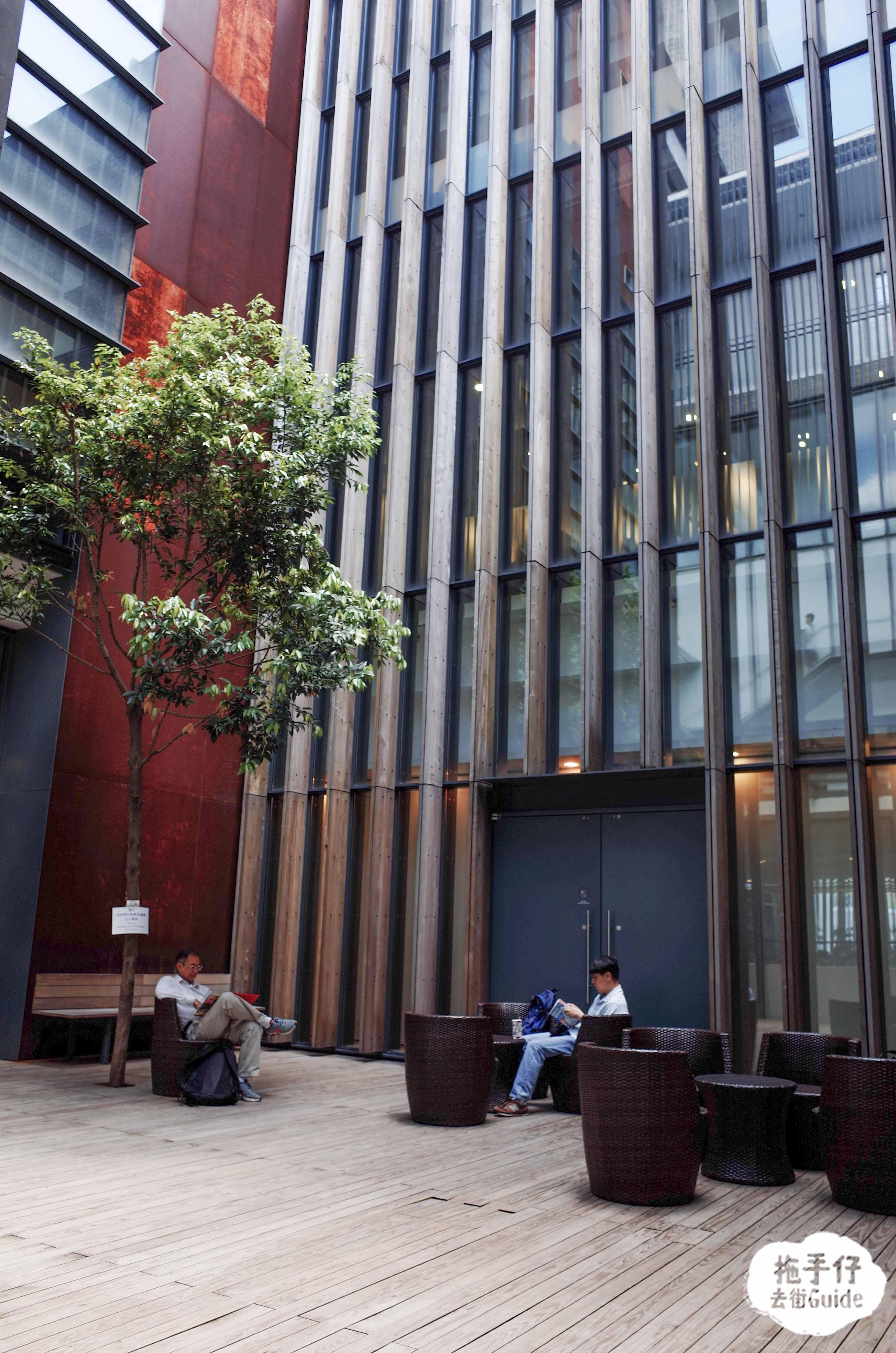 【香港最美圖書館】戶外庭園陽光下閱讀 又大又好FEEL 屏山天水圍公共圖書館媲美外國圖書館 – 拖手仔 去街Guide