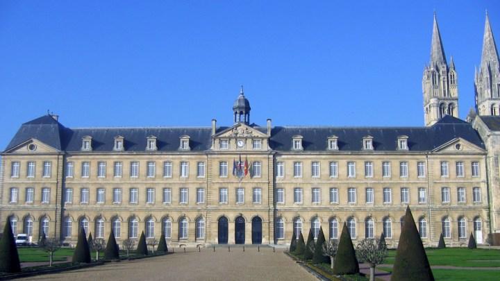 La ville de Caen, l'hôtel de ville