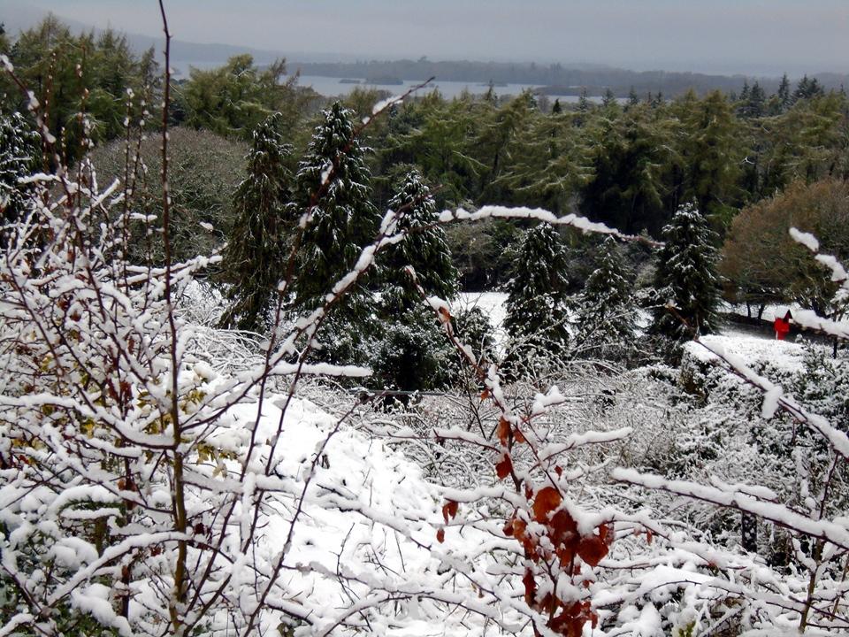 snow at gallan in april DSC00190