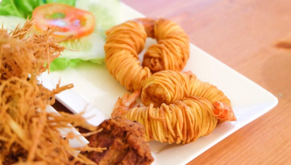 泰國-曼谷-必吃-好吃-美食-推薦-蓮花大酒店-Lebua-Thailand-Bangkok-cuisine-must eat-prawn-mango-beer-生蝦-海鮮-芒果糯米飯-咖哩-鳳梨炒飯-Tealicious