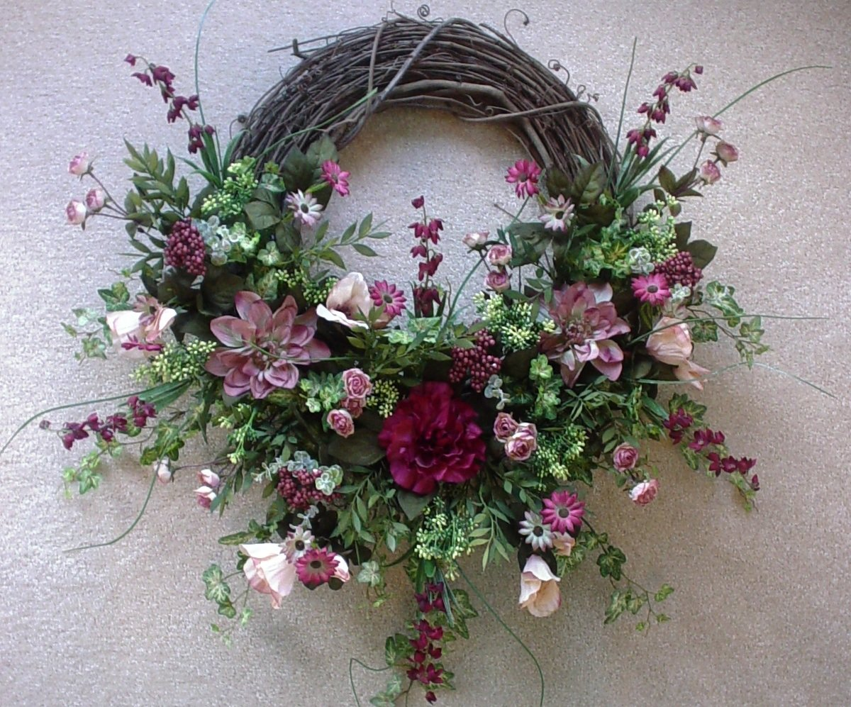 How to Make Grapevine Wreaths: 18 DIYs   Guide Patterns on Vine Decor Ideas  id=86979