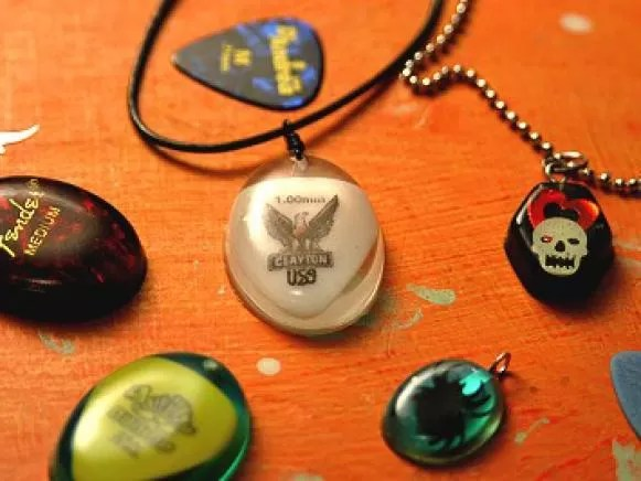 15 DIY Guitar Pick Necklace Guide Patterns