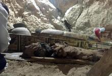 Egitto, in una tomba scoperte sei mummie e oltre mille statue