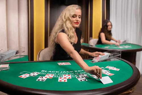 How Do Live Dealer Games Work