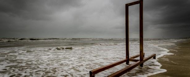 Oggi riposano anche le tavole da surf
