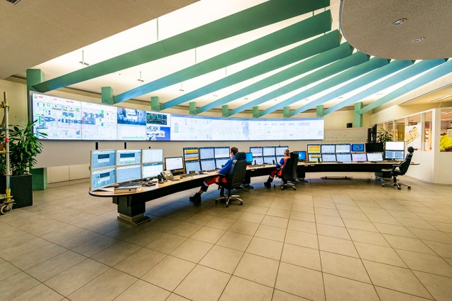Reportage: Amer Centrale Power Plant: Control Room