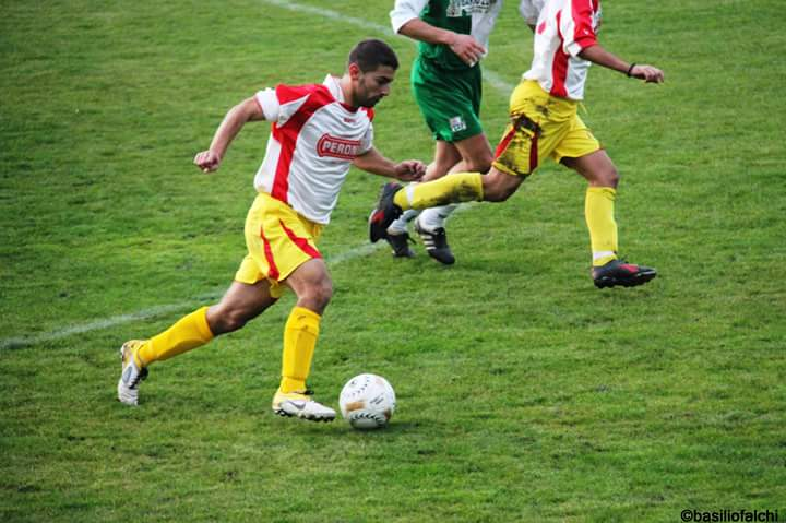 Calcio 2a Categoria girone G. Paolo Crobu sigla a Burgos il gol numero 150 con la maglia del Sedilo