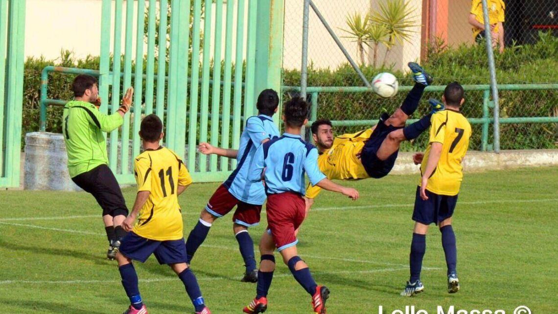 Calcio 1a Categoria girone C. Il Mogoro mette…la Freccia e incamera i primi 3 punti della stagione