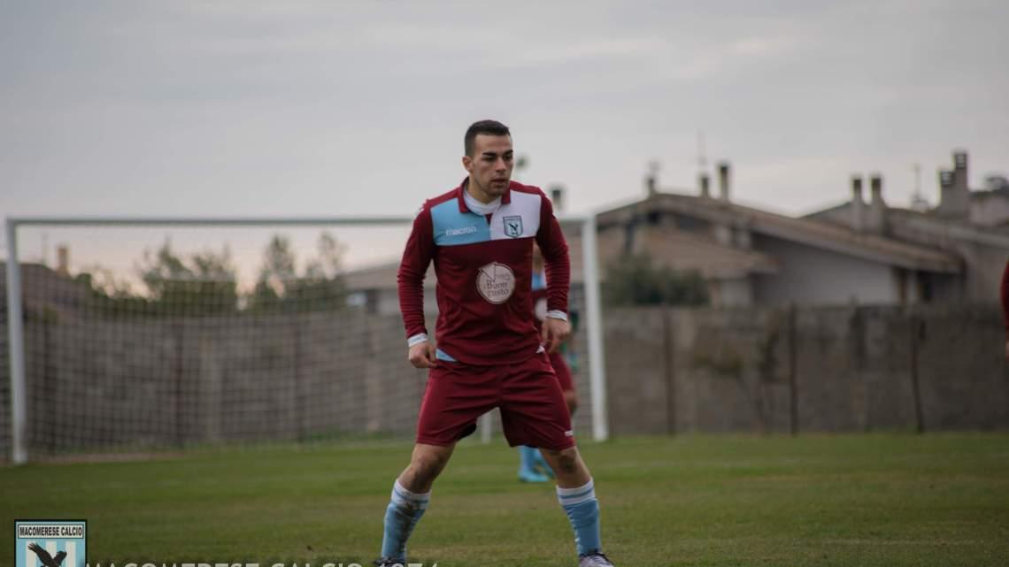 Calcio Promozione B. Il Fonni affonda la Tharros , Macomerese sempre più giù, l'Ovodda risale
