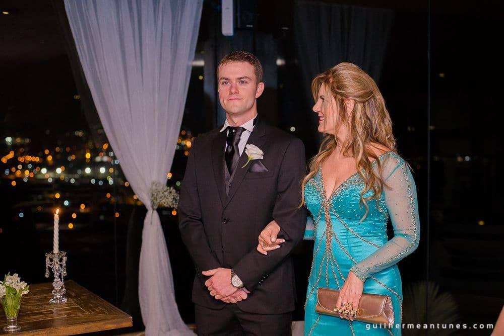 Fotografia de Casamento Luana e Alysson noivo e mãe