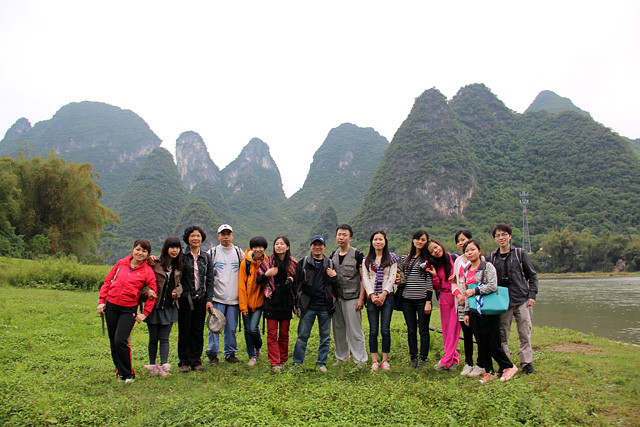 Group photo by the Li river, Guilin
