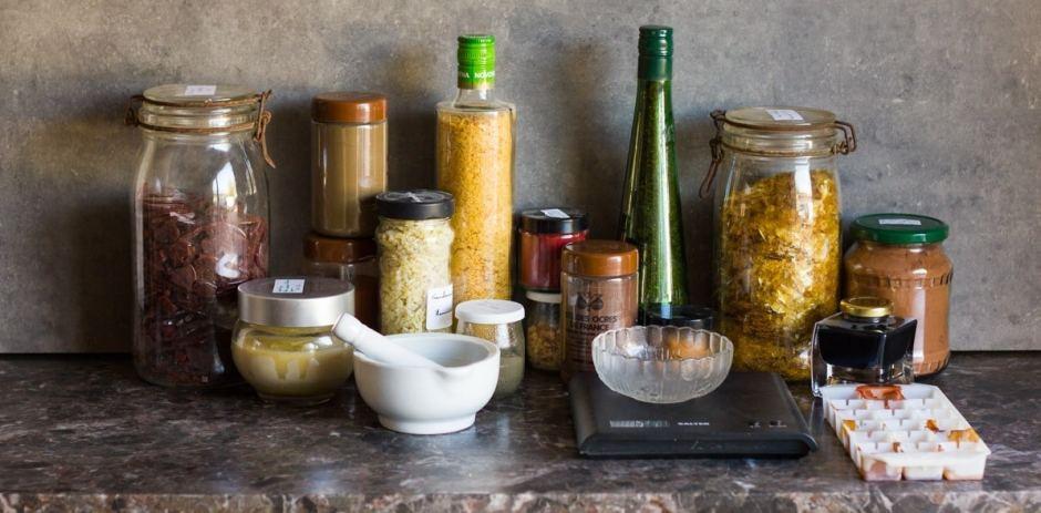 Les principaux ingrédients pour la fabrication du vernis