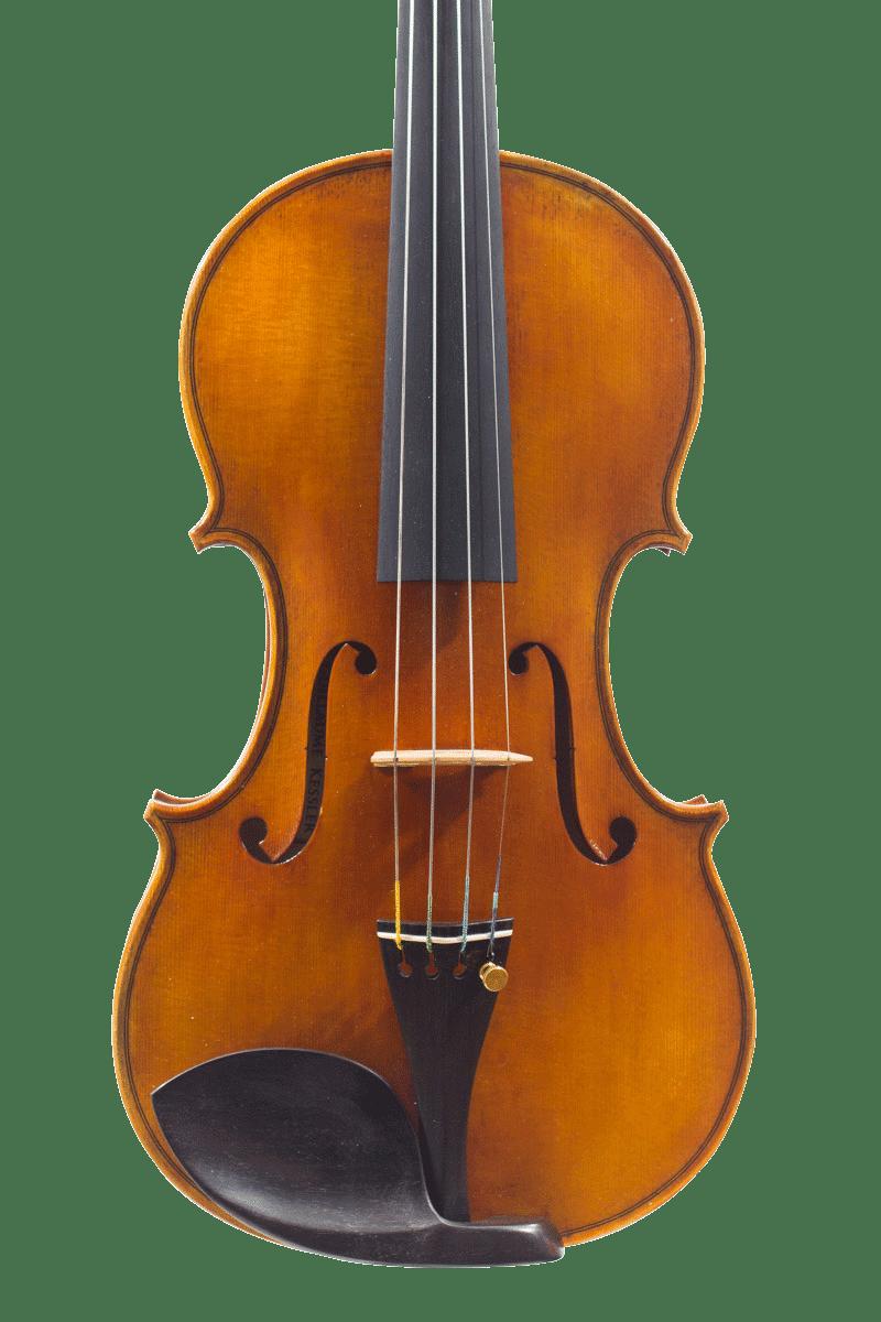La table du violon basée sur un modèle de Stradivari.