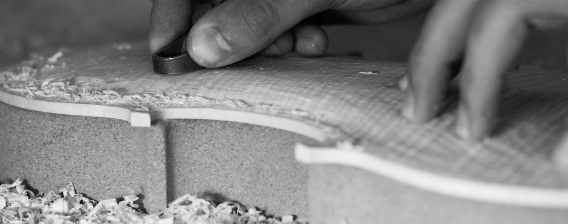Comment le luthier sculpte le son de ses instruments