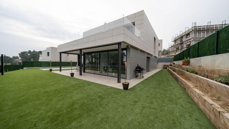 Vista exterior vivienda unifamiliar de diseño