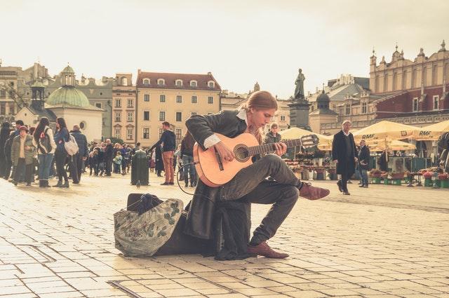 musicien de rue matériel sono