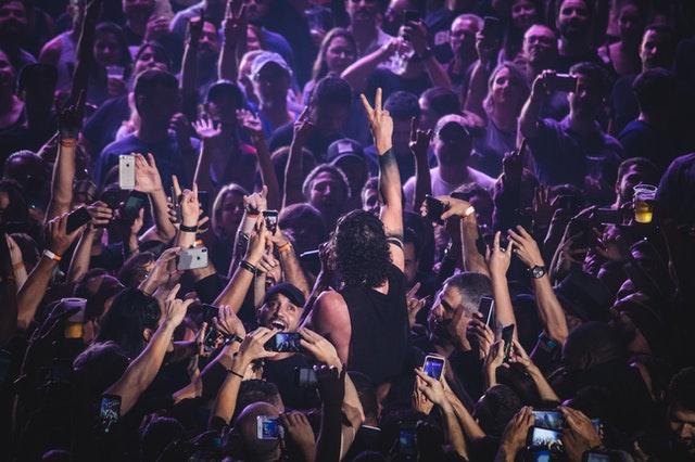 Transformer son audience en Tribu : une communauté engagée autour de votre musique