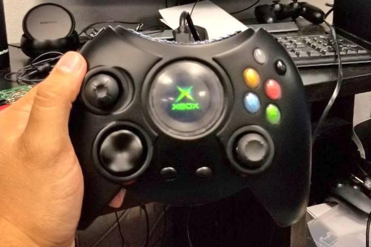 fecha de lanzamiento del mando original de Xbox