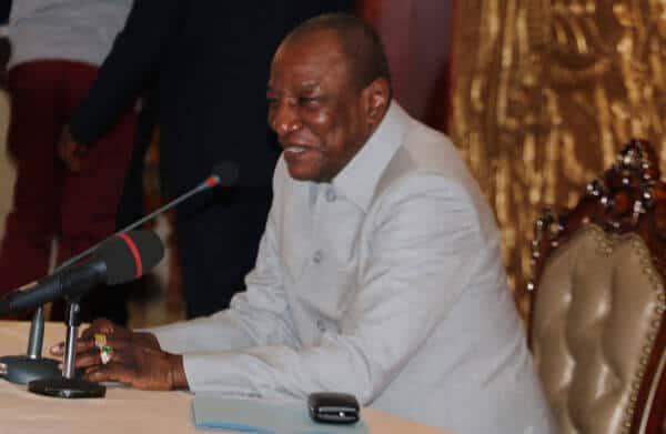 Le Président Alpha Condé face à la presse