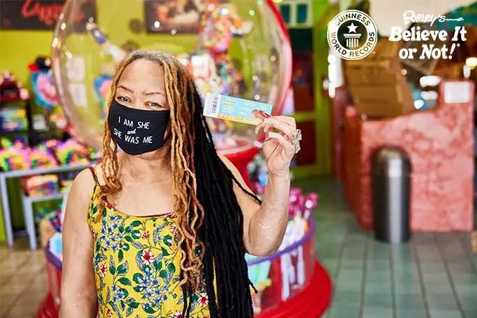 Ayanna Williams në Ripleys me biletë