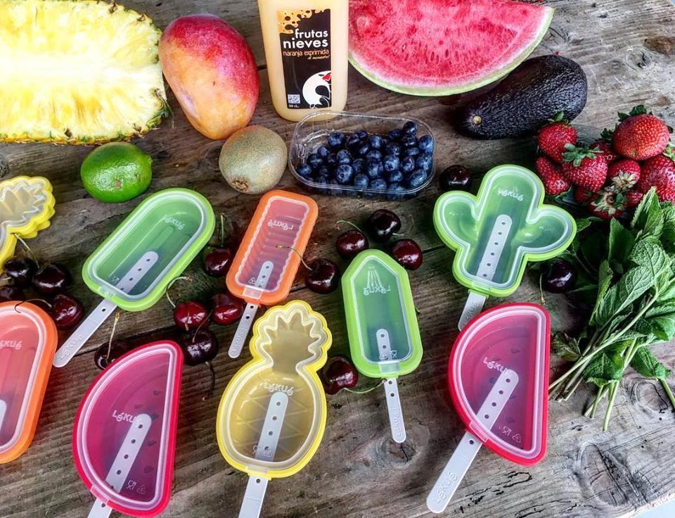 helados con frutas de frutas nieves