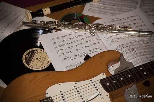 Foto: chitarra e spartiti