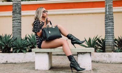 Femme avec des bottes
