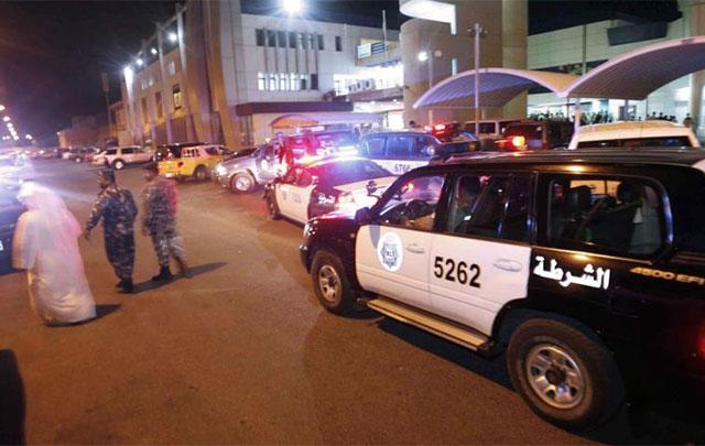 कुवैत : पुलिस कस्टडी में ही कामगार ने कपड़े का फंडा डालकर आत्महत्या कर ली, भारतीय नर्स ने भी ले ली अपनी जान