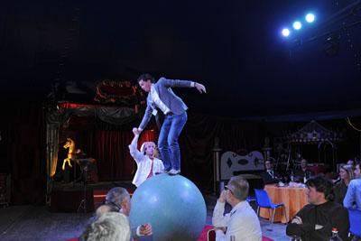 Circus-00DE