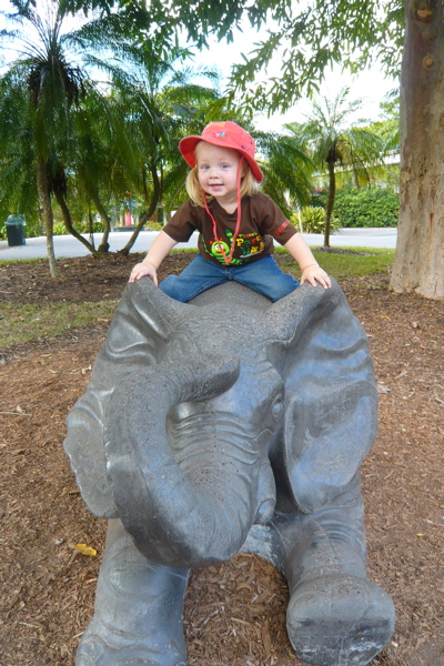 Camille & The Elephant