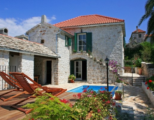 Villa Maruka – 3 bedroom villa for rent with pool, on Brac island in Croatia