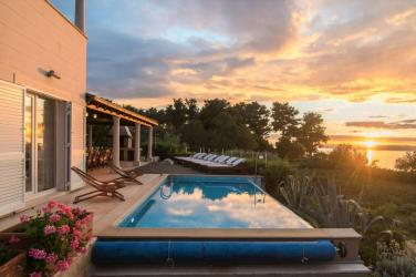 Villa Gumonca with infinity swimming pool and sea views