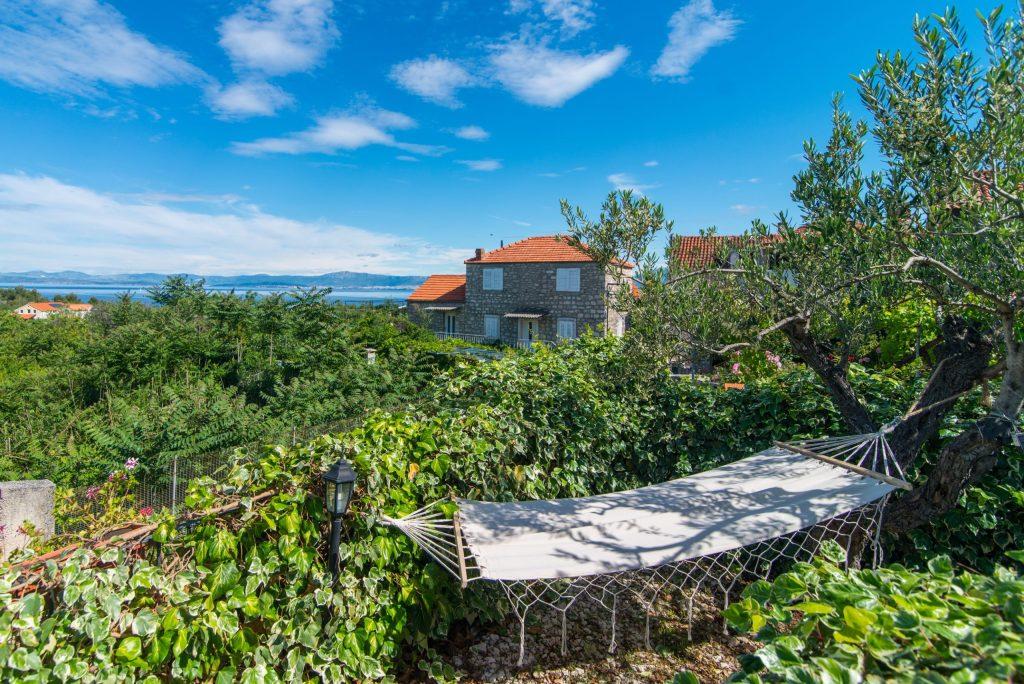 villa-maruka-hammock-garden