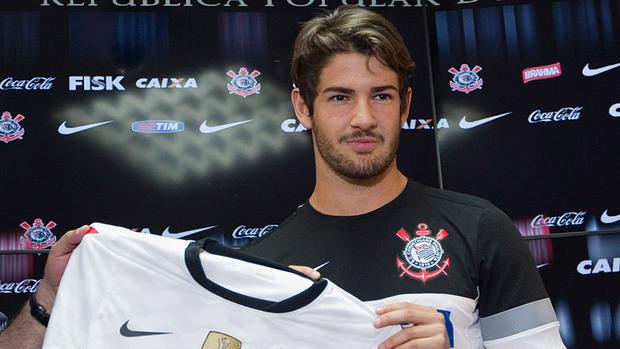 Alex Pato 01
