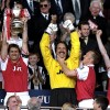 Tony-Adams-Arsenal-FA-Cup-Winners-1998_1427636