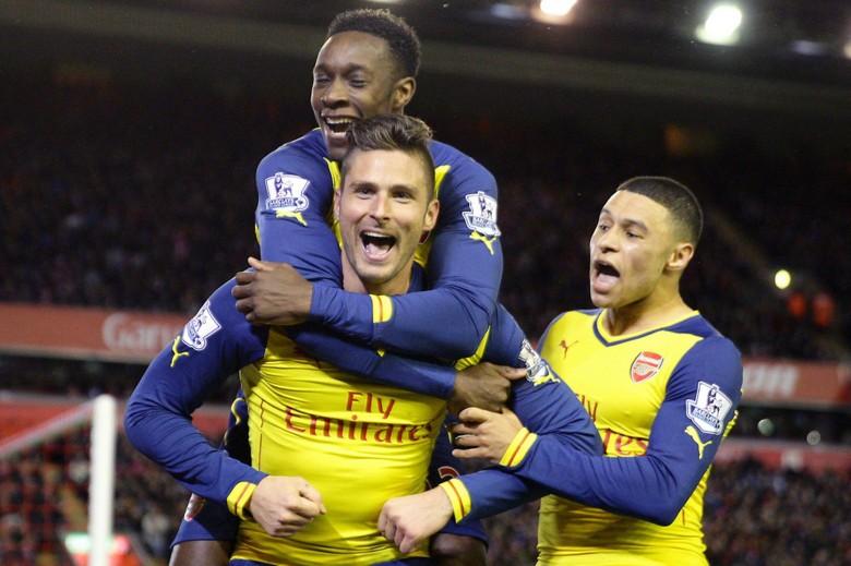 Olivier-Giroud-Arsenal-Celebration-Windows-8-Wallpaper-arsenalhdwallpaper.com_