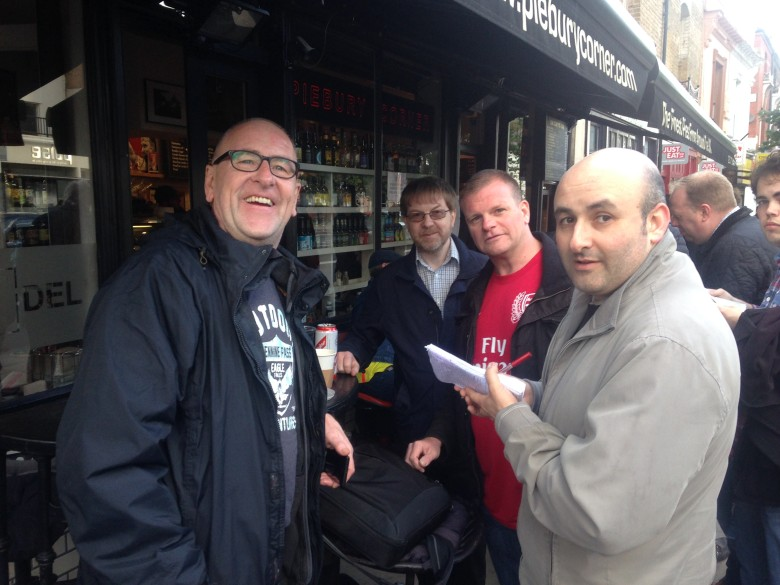 Mick The Bins from The Riders of the Night with @Gooner_AK, myself and Ben from the Islington Gazette at Piebury Corner