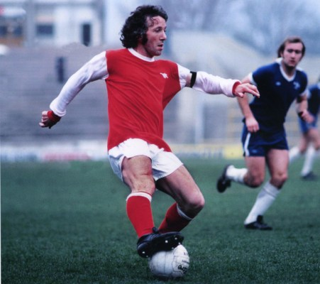 Was there a better gladiator in an Arsenal shirt?