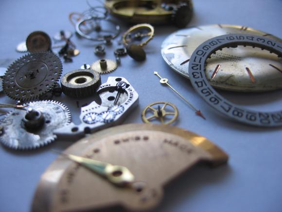 A broken Rolex reassembled with inferior parts?
