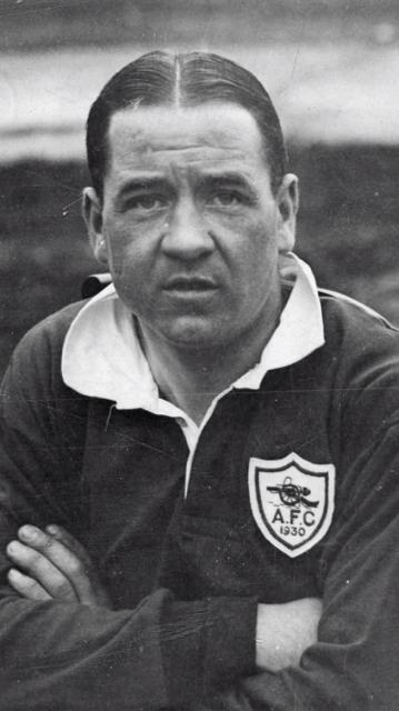 ALEX JAMES (1901 - 1953)