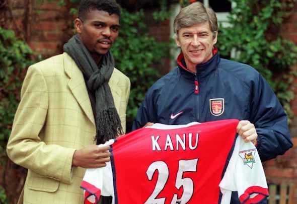 Kanu signs for The Arsenal