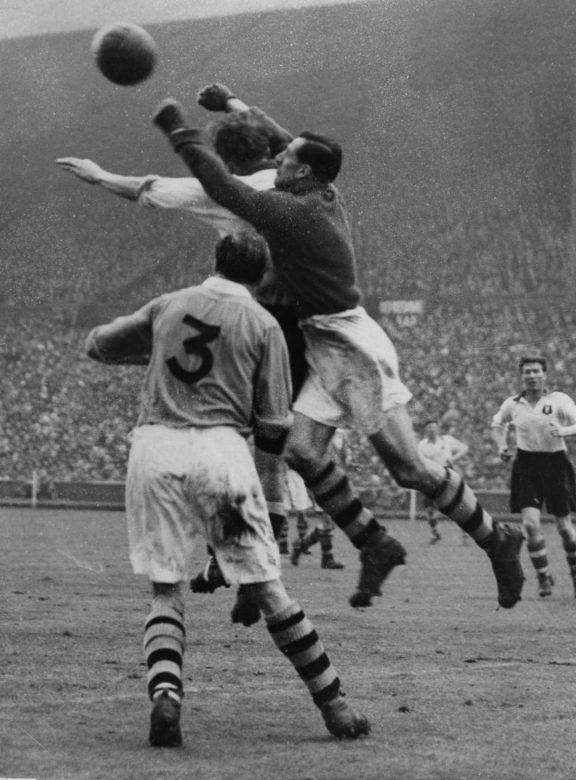George Swindin in his incarnation as Arsenal keeper - in the 2-0 victory over Liverpool in the 1950 FA Cup Final